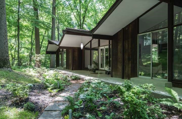House of the Week: An Airy Sanctuary in the Woods of Penn Valley