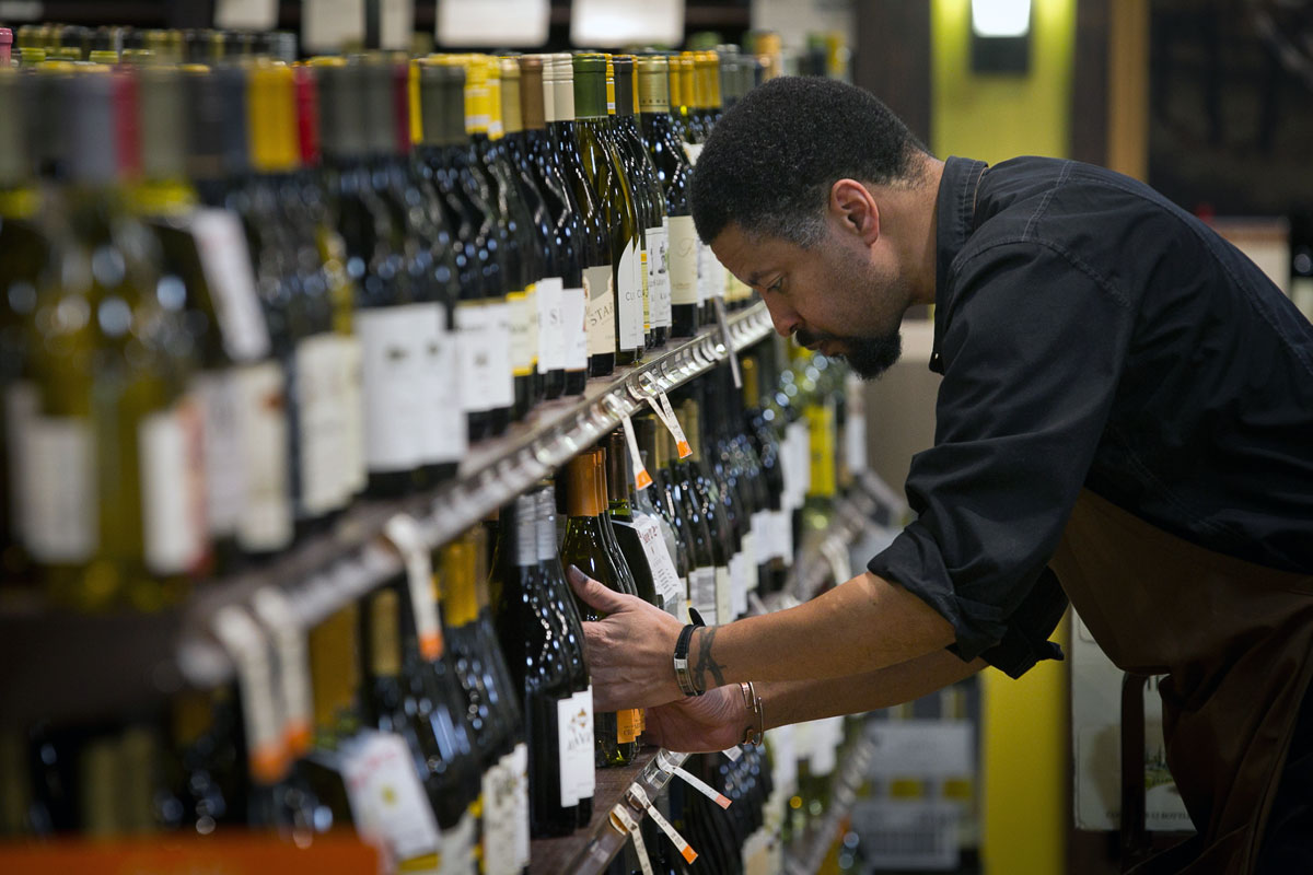 Pennsylvania Liquor Control Board celebrates grand opening of Fine Wine and Good Spirits Premium Collection in North Wales