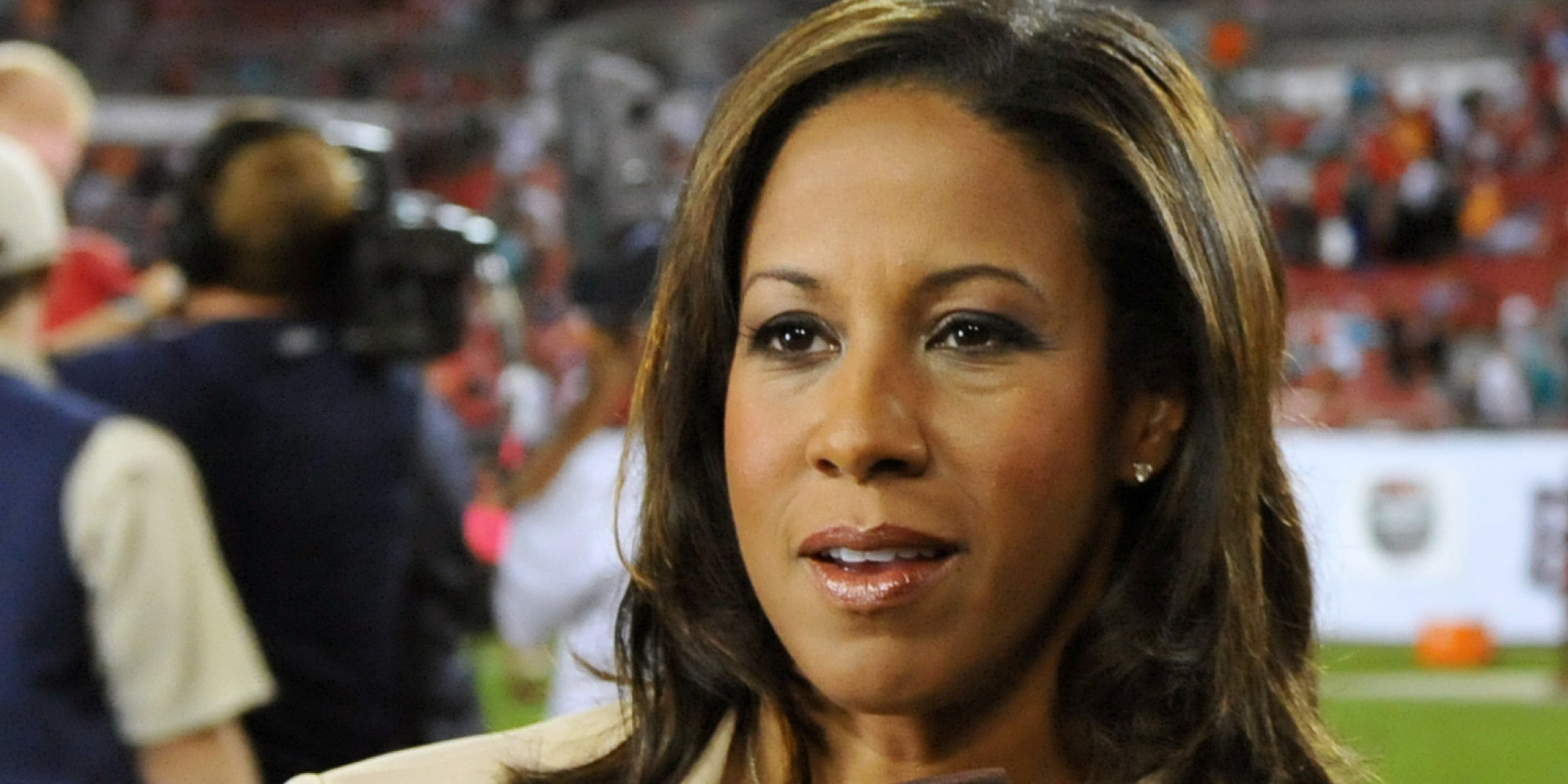 Montco's Lisa Salters Discusses Working as Sideline Reporter for ESPN and Returning Home for Thanksgiving