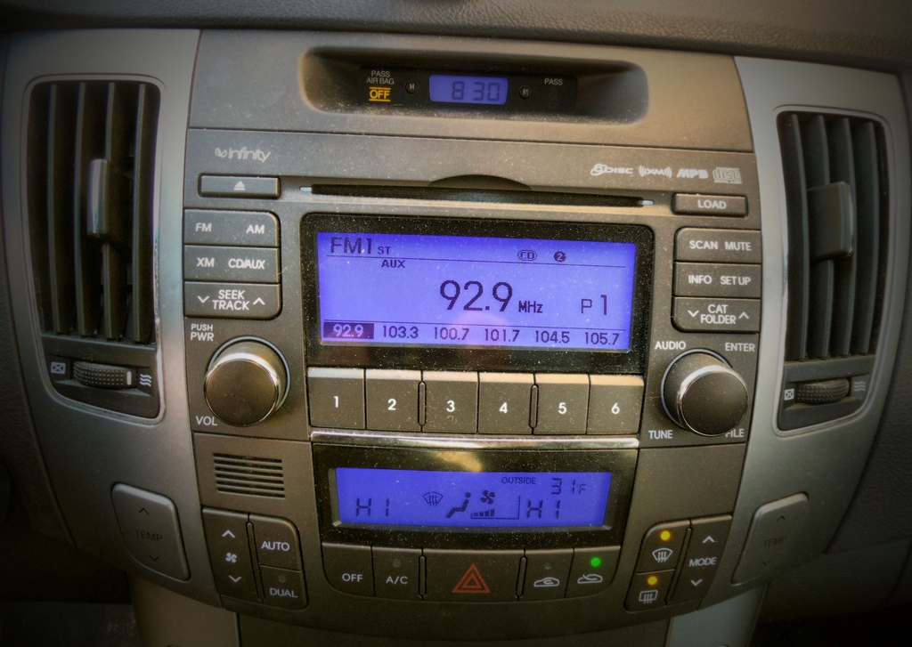 Bala Cynwyd-based Entercom to sell 8 radio stations