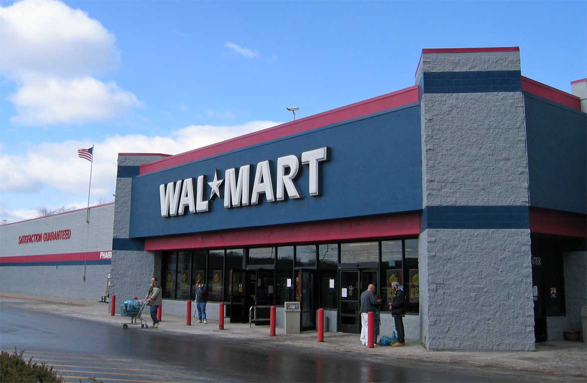 Walmart gives starting salaries a bump and offers bonuses