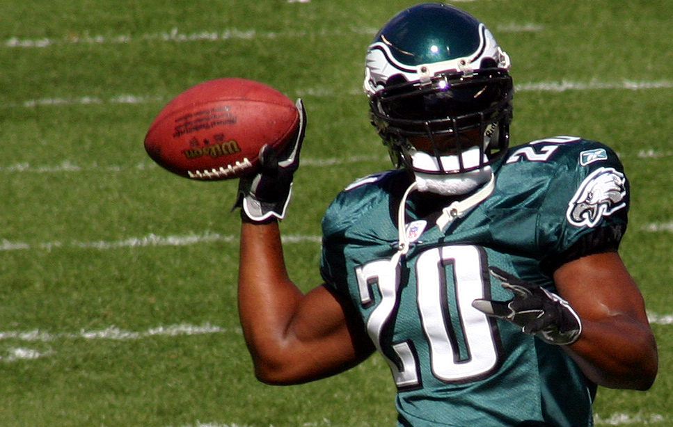 Brian Dawkins to step down from full-time position with Philadelphia Eagles