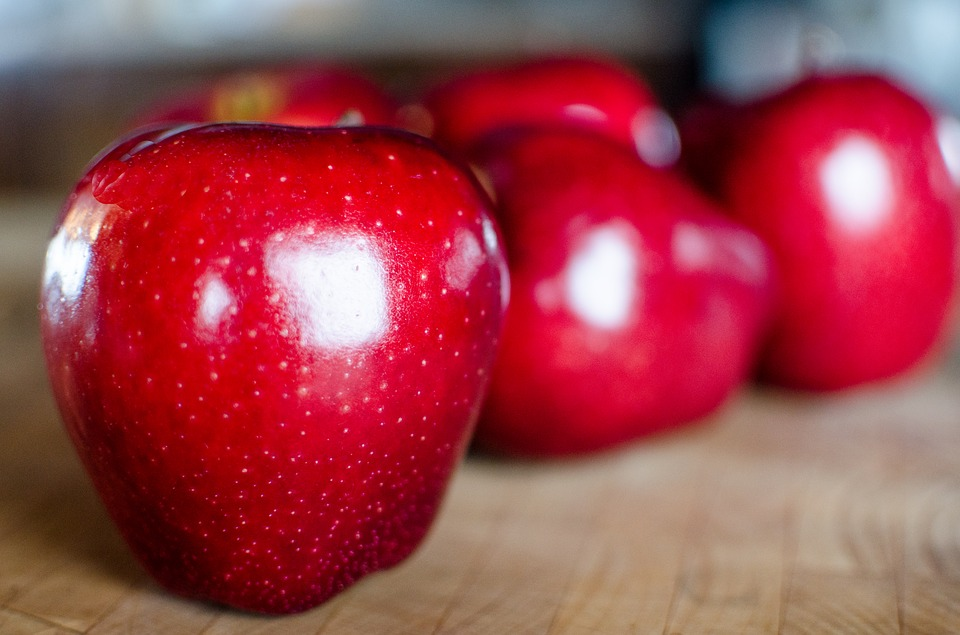 One red apple…displaced by a Gala