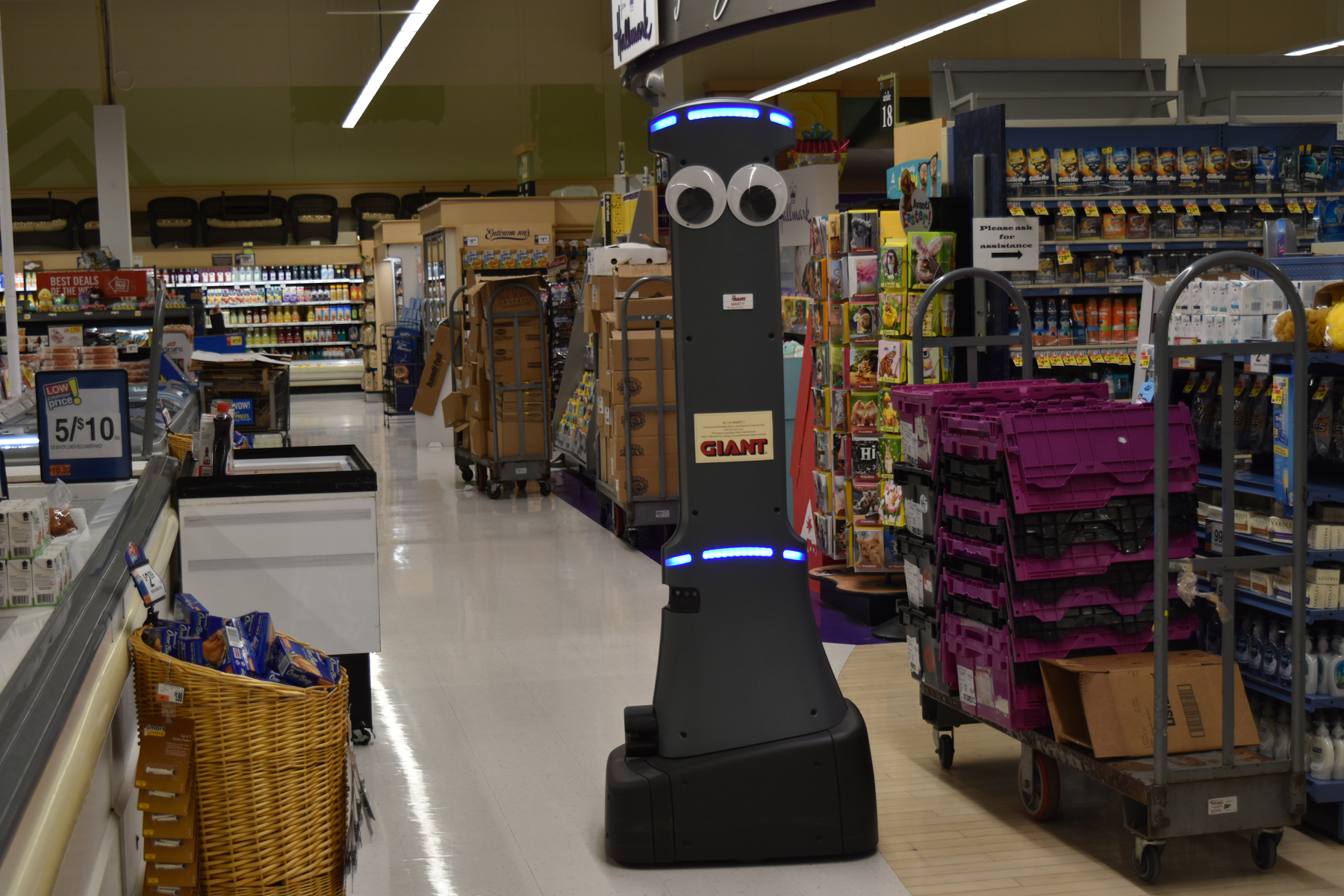 Giant Food Stores Gives Marty The Robot An Important Job