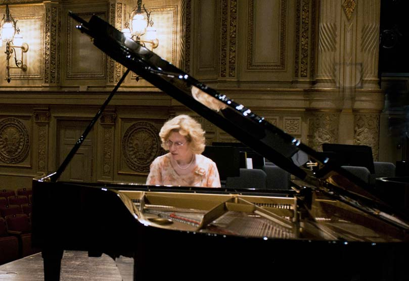 Distinguished pianist Sara Davis Buechner to perform at Bryn Mawr  College