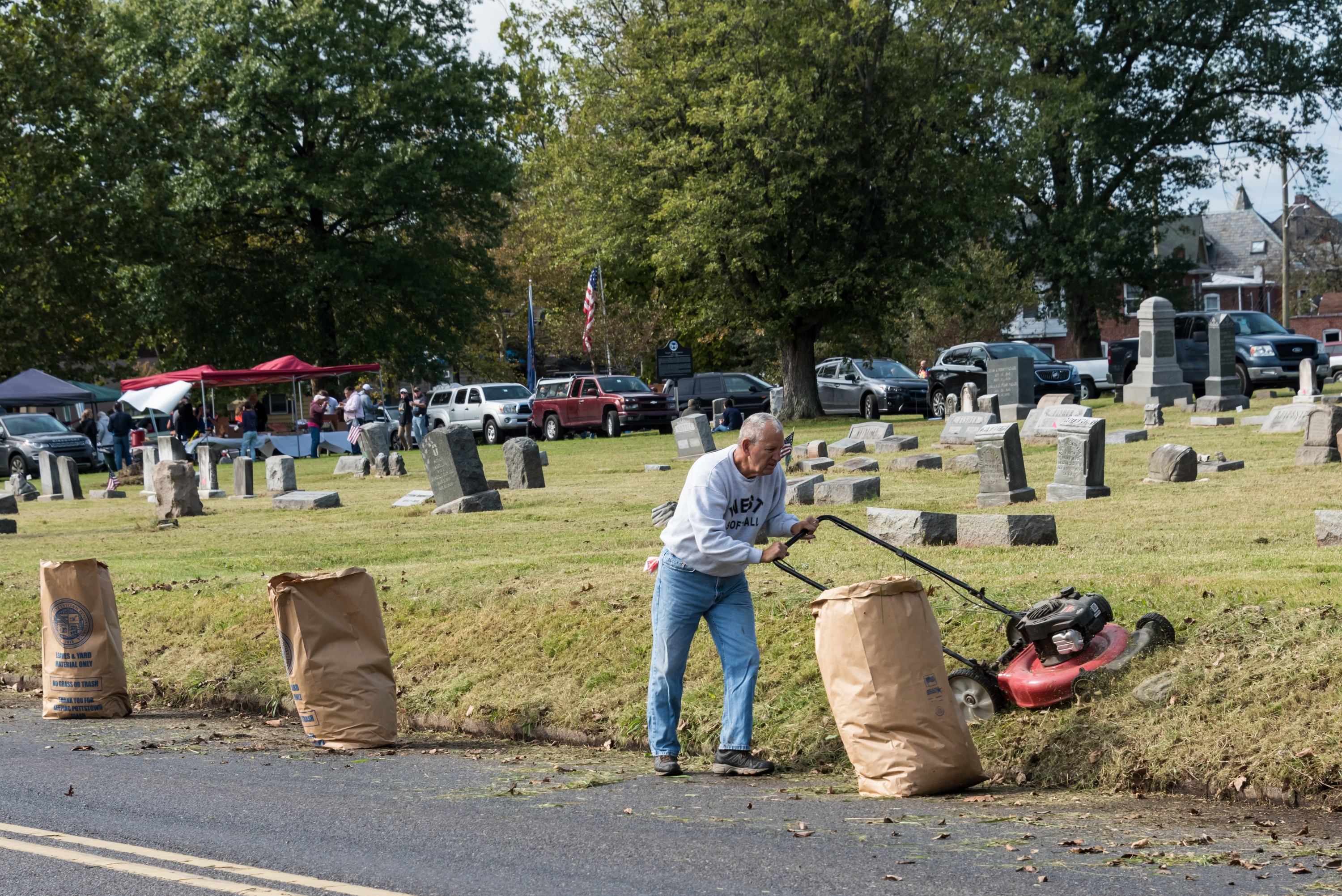 Make a grave difference at Edgewood Cemetery: 2nd annual fall clean up
