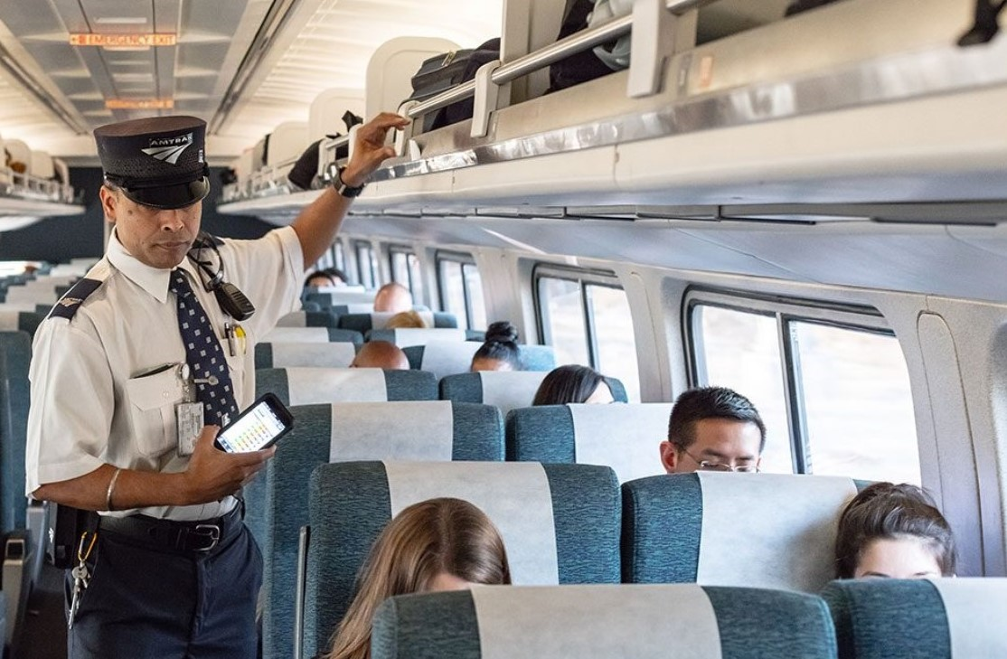Amtrak to improve customer experience with more dining options, new sleeping cars