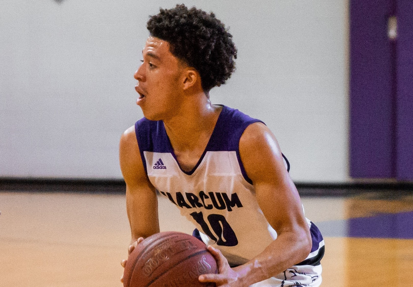 Harcum College Sophomore Earns Division I Basketball Scholarship