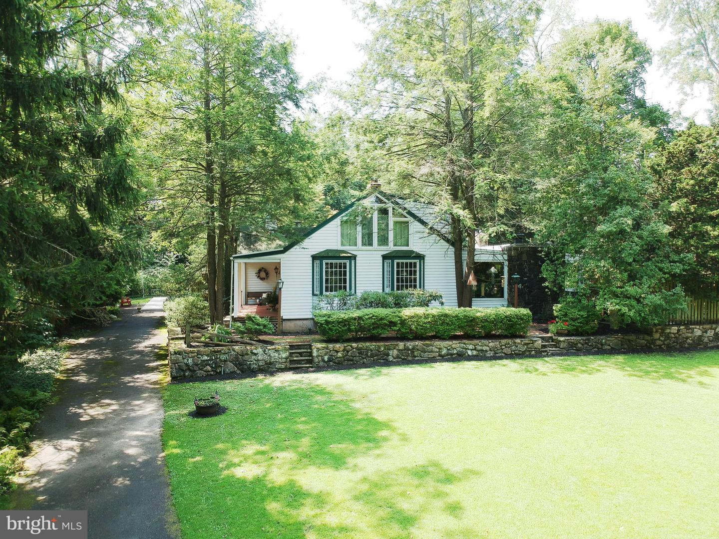 House of the Week: Year-Round Retreat Home in Hatboro