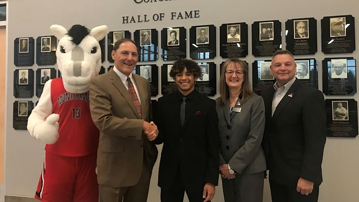 MCCC Student Receives Montgomery County Coaches Hall of Fame Scholarship