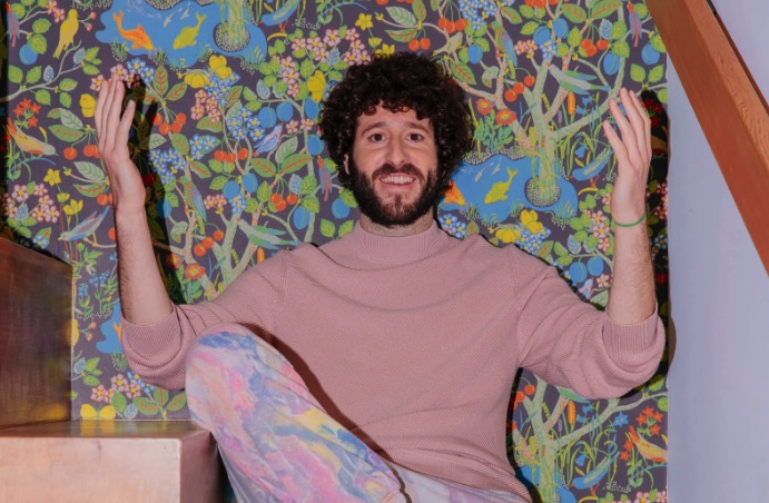 New York Times: Cheltenham's Dave Burd Fictionalizes His Hip-Hop Rise As Lil Dicky in TV Show 'Dave'