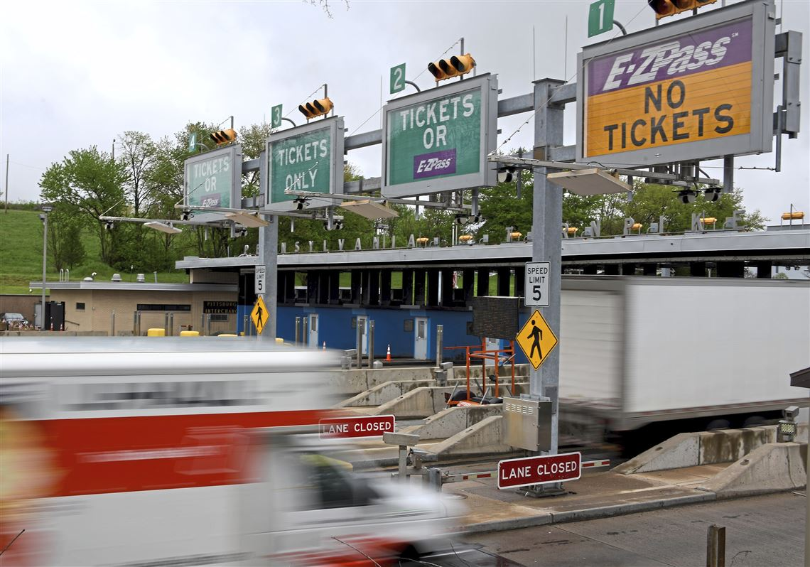 Hundreds of Toll Workers to Lose Their Jobs as Pennsylvania Decides to Make Entire Turnpike Cashless