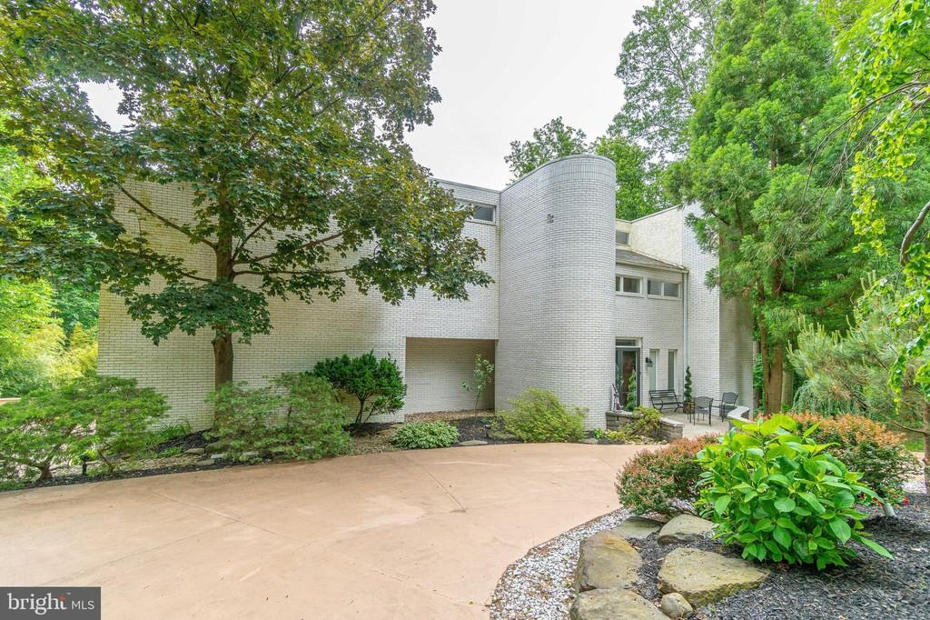 Malvern Bank House of the Week: Stunning Contemporary in Narberth