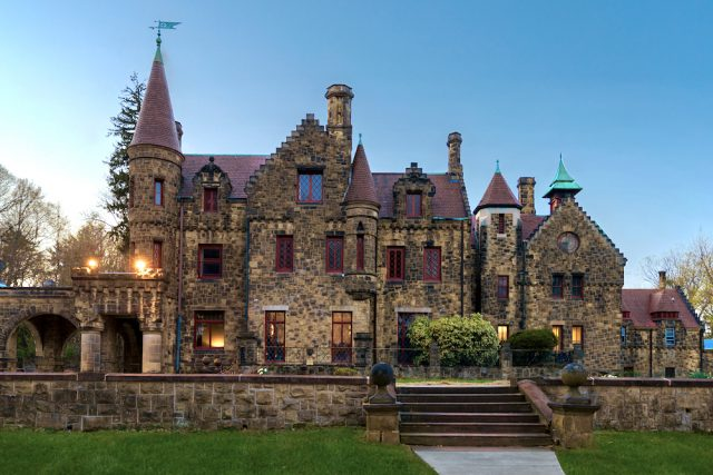 Scottish Castle in Wynnewood Finally Reclaiming its Former Glory