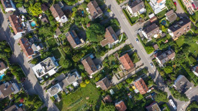 Wall Street Journal: Pandemic Reverses Urbanization Trend as People Return to Suburbia