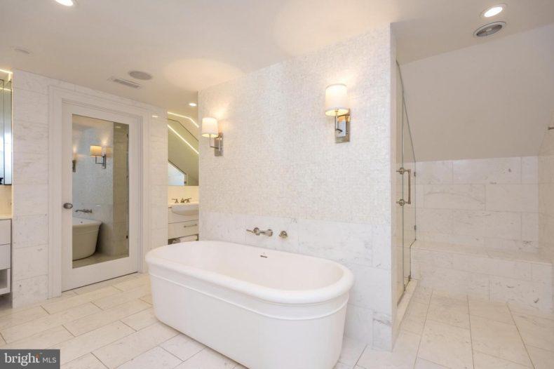 real estate in montco bathroom bathtub