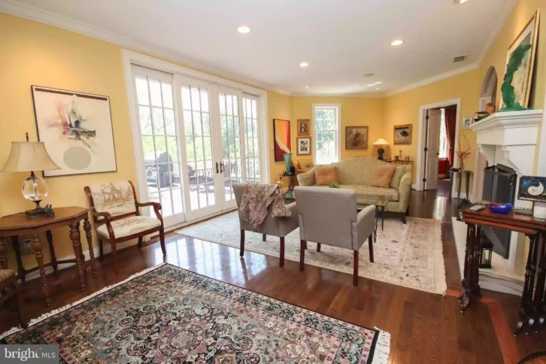 Mont Clare house for sale