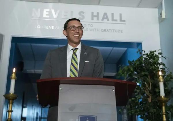 Dr Peri at Navels Hall