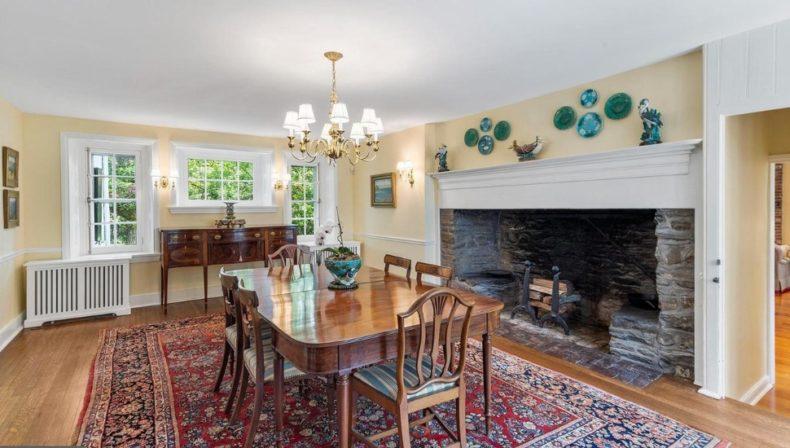 dining room in Gladwyne house