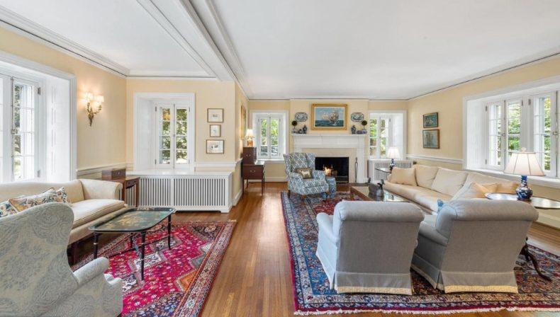 family room in gladwyne house