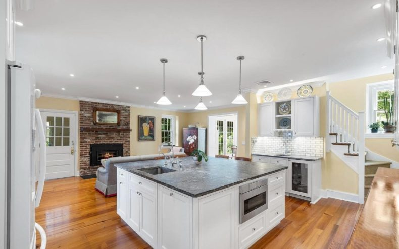 Gladwyne house kitchen